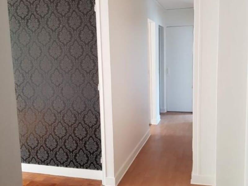 Rental apartment Verrieres le buisson 990€ CC - Picture 5