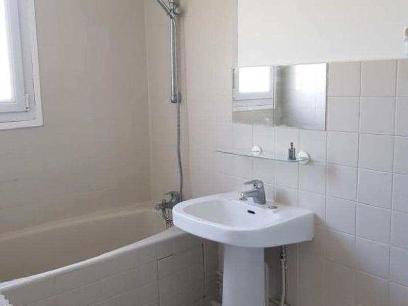 Rental apartment Verrieres le buisson 990€ CC - Picture 8
