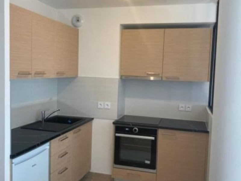 Rental apartment Athis mons 605€ CC - Picture 2