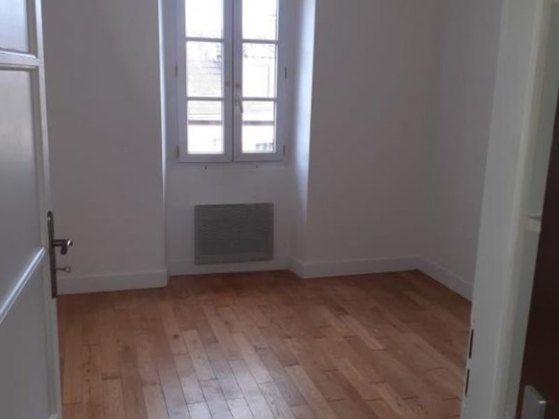 Rental apartment Bievres 820€ CC - Picture 2