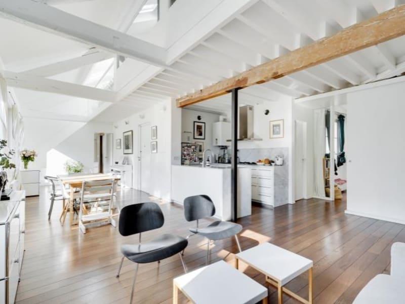Deluxe sale apartment Paris 10ème 1050000€ - Picture 2