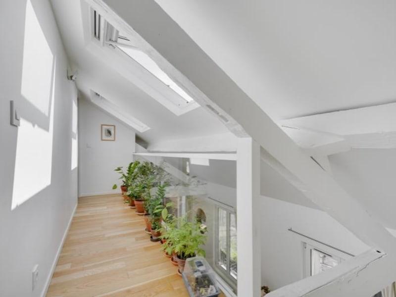 Deluxe sale apartment Paris 10ème 1050000€ - Picture 10