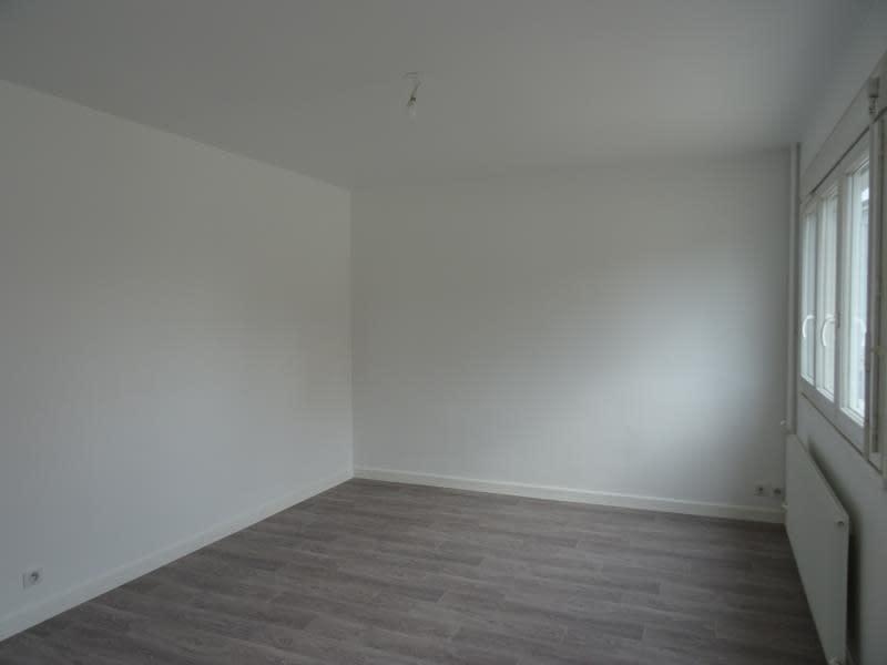 Rental apartment Le coteau 330€ CC - Picture 4