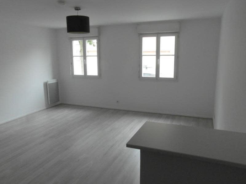 Sale apartment Vaureal 172000€ - Picture 2