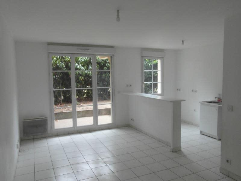 Sale apartment Vaureal 172000€ - Picture 1