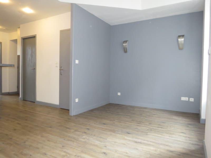 Sale apartment Lyon 225000€ - Picture 6