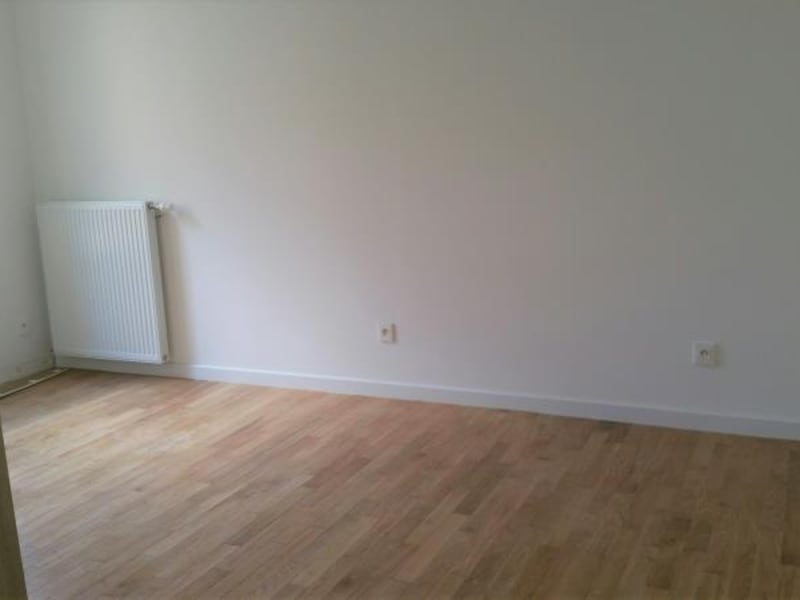 Rental apartment Noisy le roi 710€ CC - Picture 9