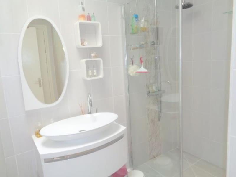 Sale house / villa Saint andre de cubzac 399000€ - Picture 16