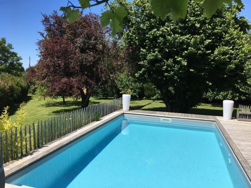 Deluxe sale house / villa St andre de cubzac 598500€ - Picture 2