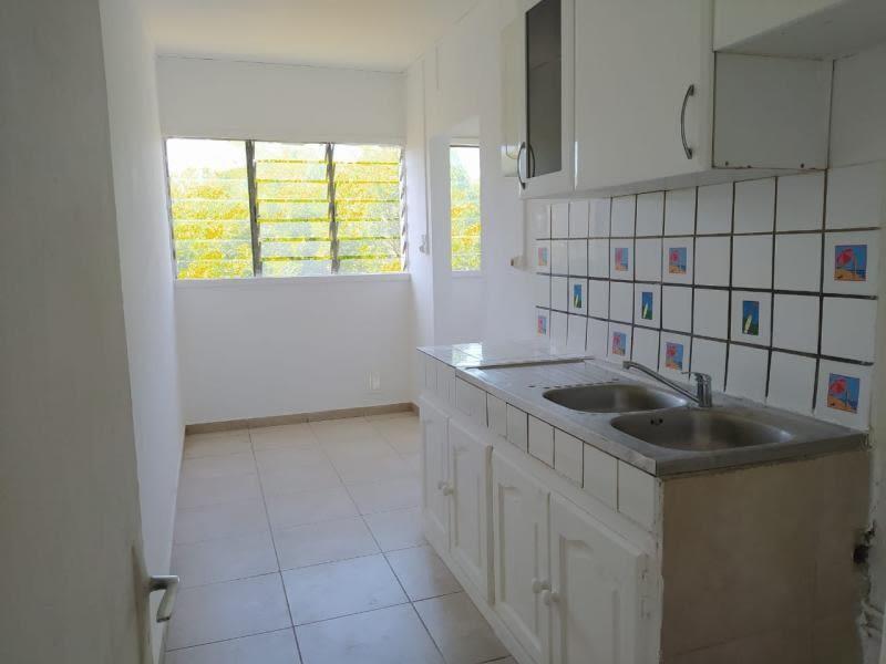 Rental apartment St denis 660€ CC - Picture 3