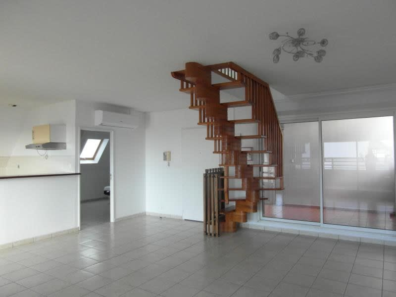 Rental apartment St denis 1960€ CC - Picture 4