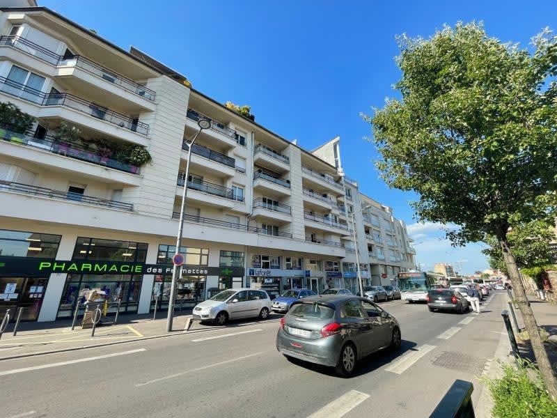 Rental parking spaces Houilles 70€ CC - Picture 1