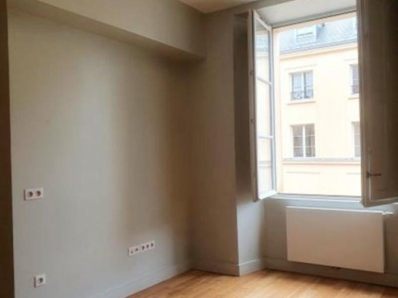 Rental apartment Versailles 716€ CC - Picture 1