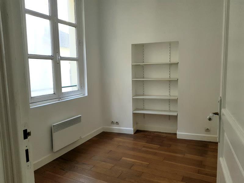 Rental apartment Versailles 737€ CC - Picture 2