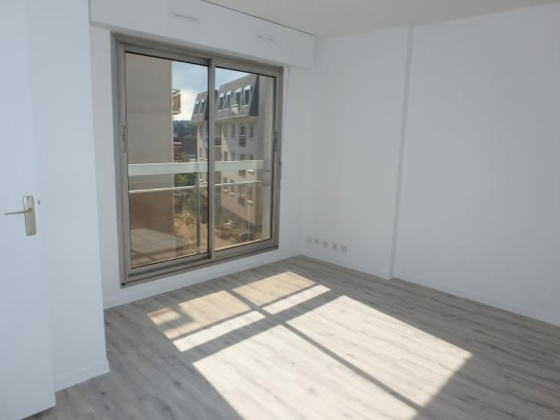 Rental apartment Viroflay 656€ CC - Picture 2