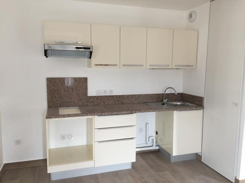Rental apartment Buc 1094€ CC - Picture 2