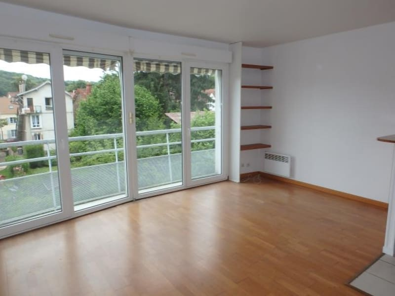 Rental apartment Viroflay 742€ CC - Picture 1