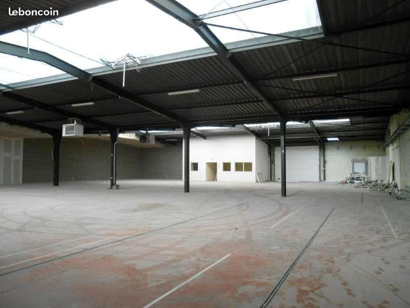 Location local commercial Poitiers 4077,50€ HC - Photo 3