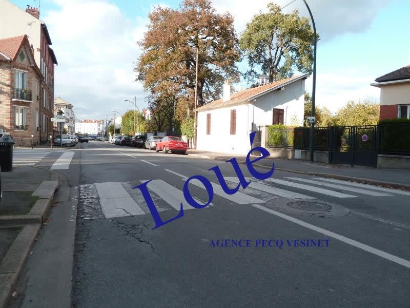 Location local commercial Le pecq 915€ HC - Photo 1