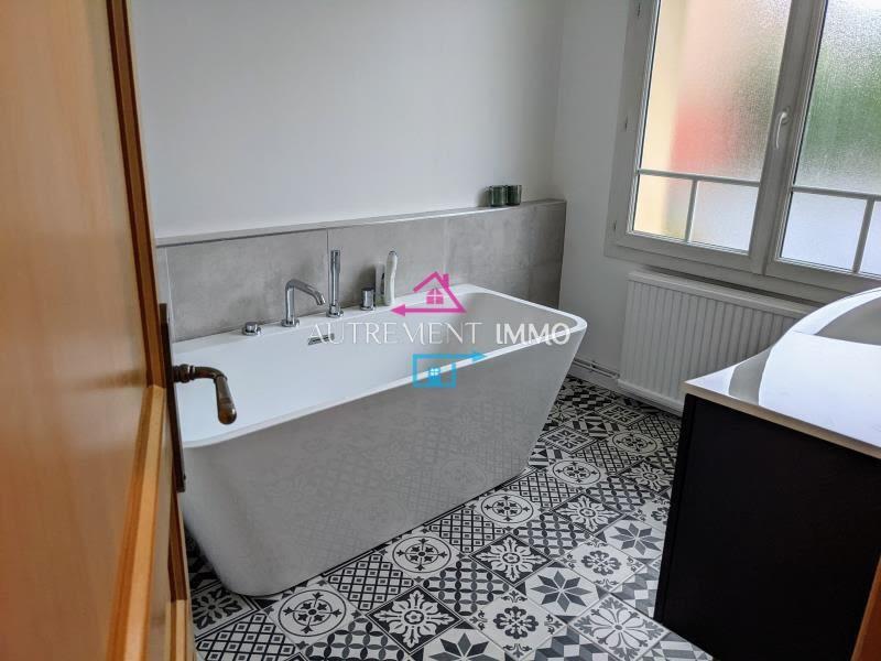 Sale house / villa Heninel 268000€ - Picture 6