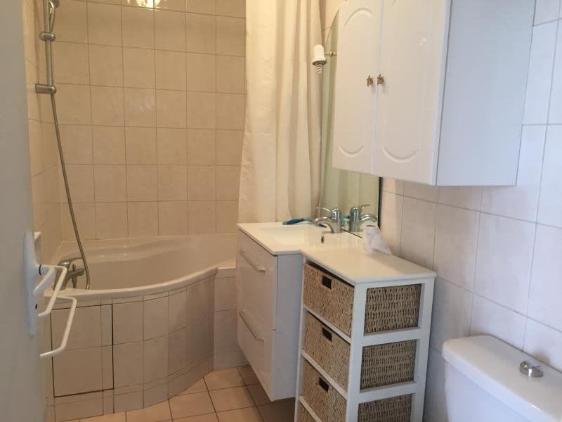 Rental apartment La varenne st hilaire 720€ CC - Picture 5