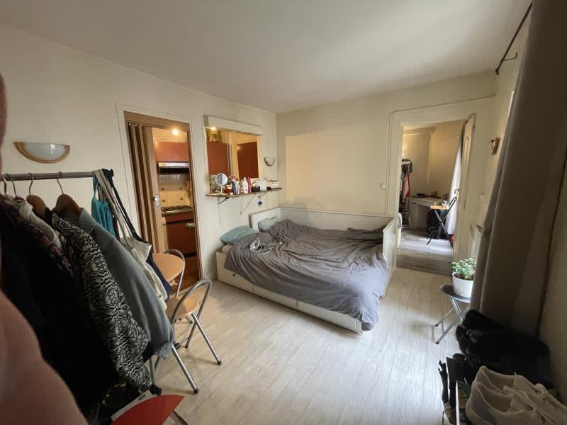 Rental apartment Paris 1200€ CC - Picture 1