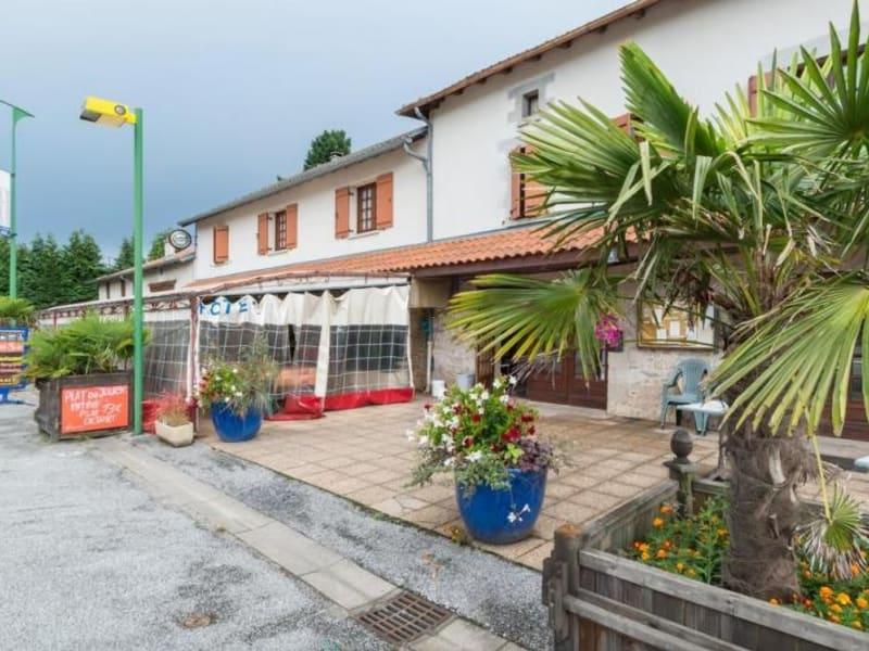 Commercial property sale shop St just le martel 160000€ - Picture 1