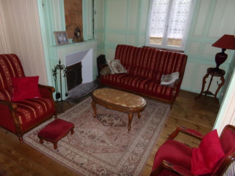 Sale house / villa St leonard de noblat 110800€ - Picture 1