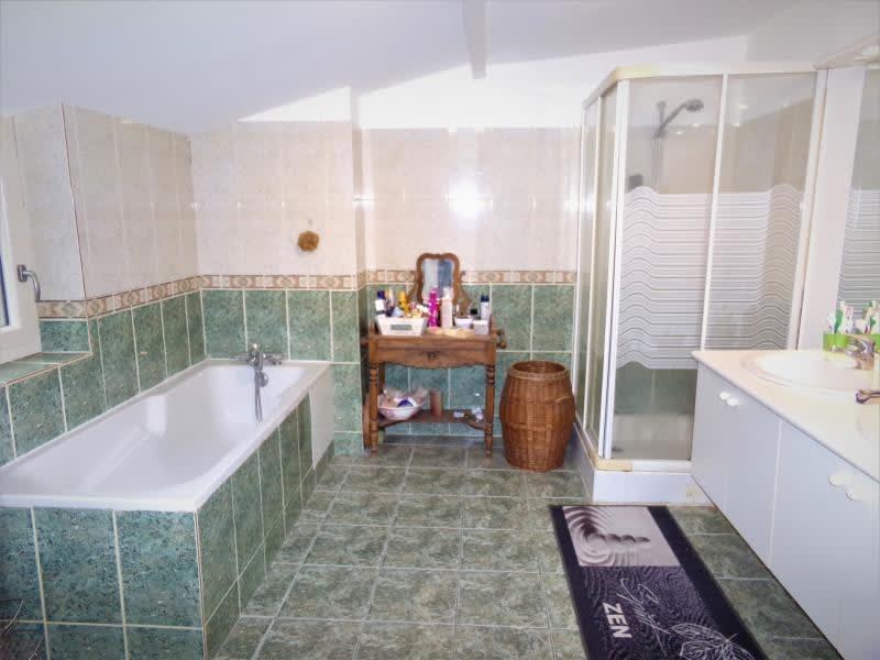 Sale house / villa St leonard de noblat 110800€ - Picture 4