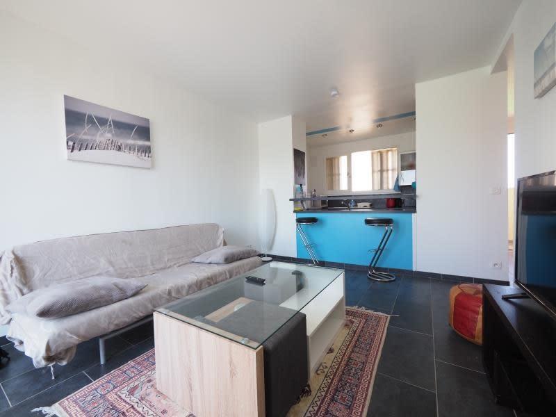 Rental apartment Bois d arcy 820€ CC - Picture 1
