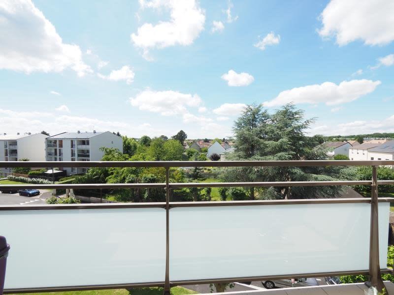 Sale apartment Bois d arcy 189000€ - Picture 2
