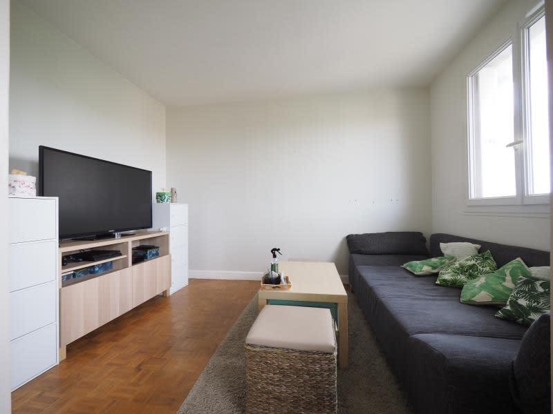 Rental apartment Bois d arcy 1150€ CC - Picture 2