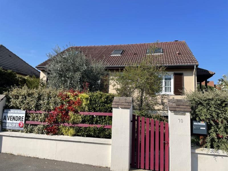 Sale house / villa Villiers sur orge 379000€ - Picture 1