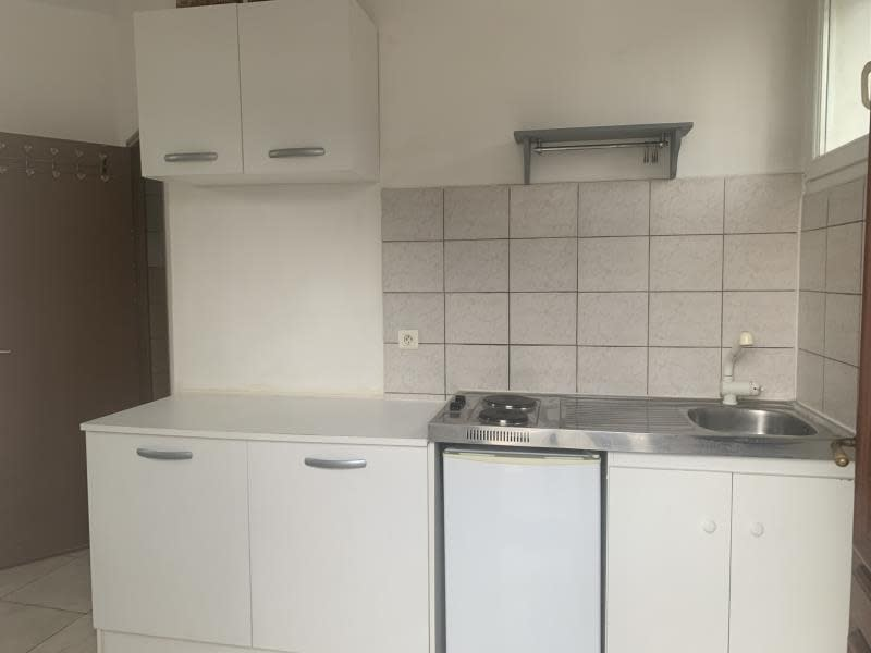 Rental apartment Athis mons 640€ CC - Picture 1