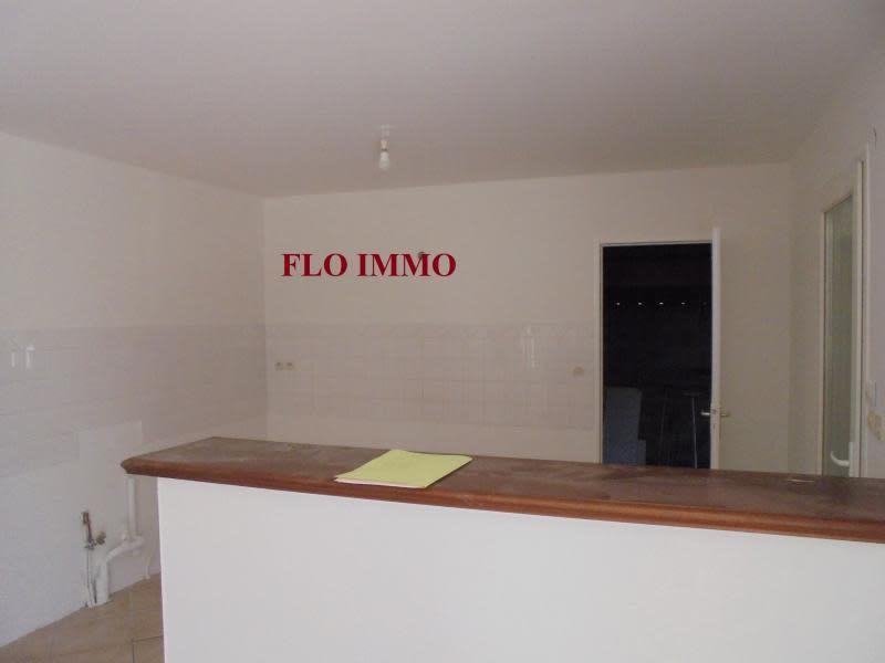 Location maison / villa Garons 1000€ CC - Photo 3