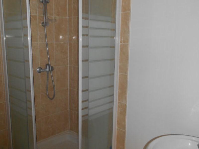 Location appartement Saint quentin 285€ CC - Photo 2