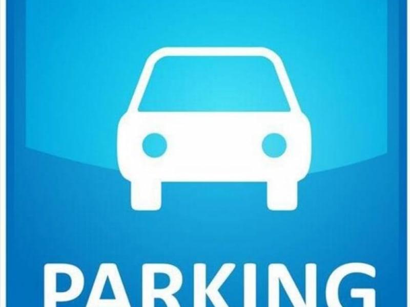 Rental parking spaces Houilles 80€ CC - Picture 1