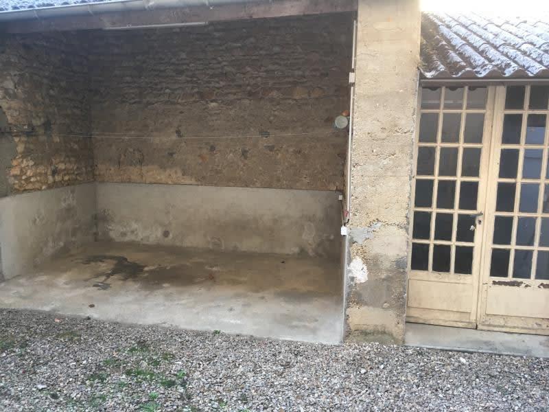Location maison / villa Lavoux 251,19€ CC - Photo 2