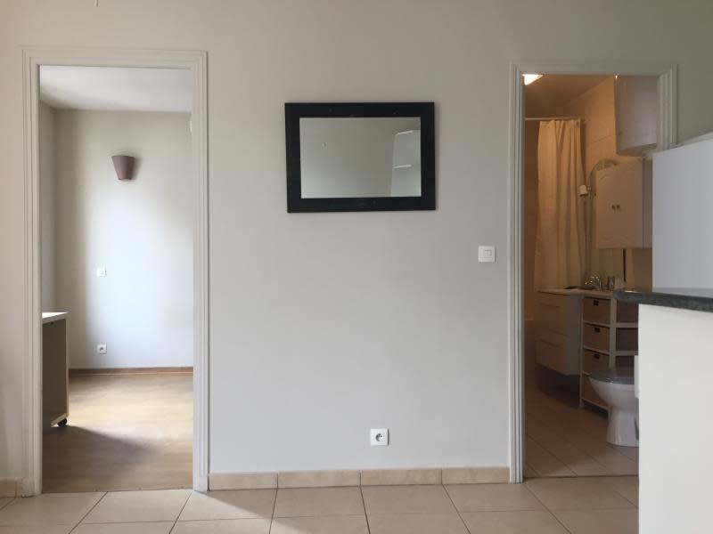 Rental apartment La varenne st hilaire 720€ CC - Picture 1
