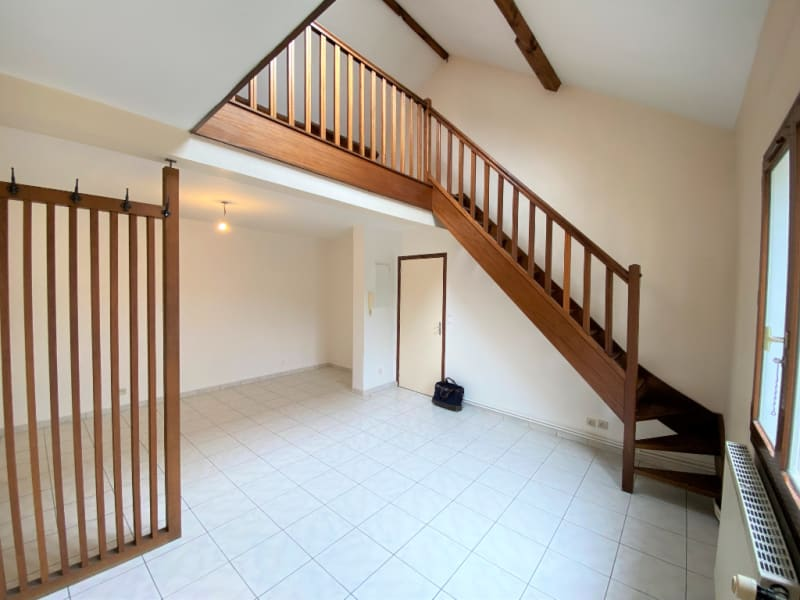 Rental apartment Mery sur oise 775€ CC - Picture 1