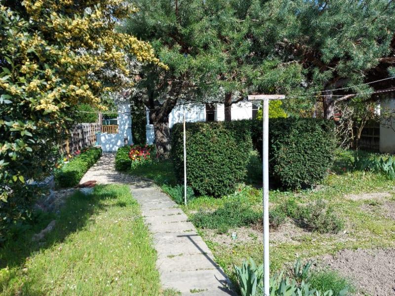 Sale house / villa Rueil malmaison 700000€ - Picture 1