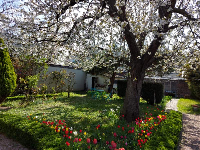 Sale house / villa Rueil malmaison 700000€ - Picture 2