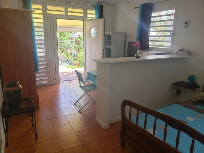 Location appartement Saint francois 560€ CC - Photo 2