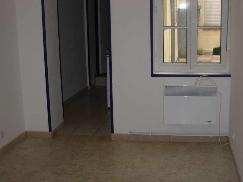 Rental apartment Saint quentin 375€ CC - Picture 2