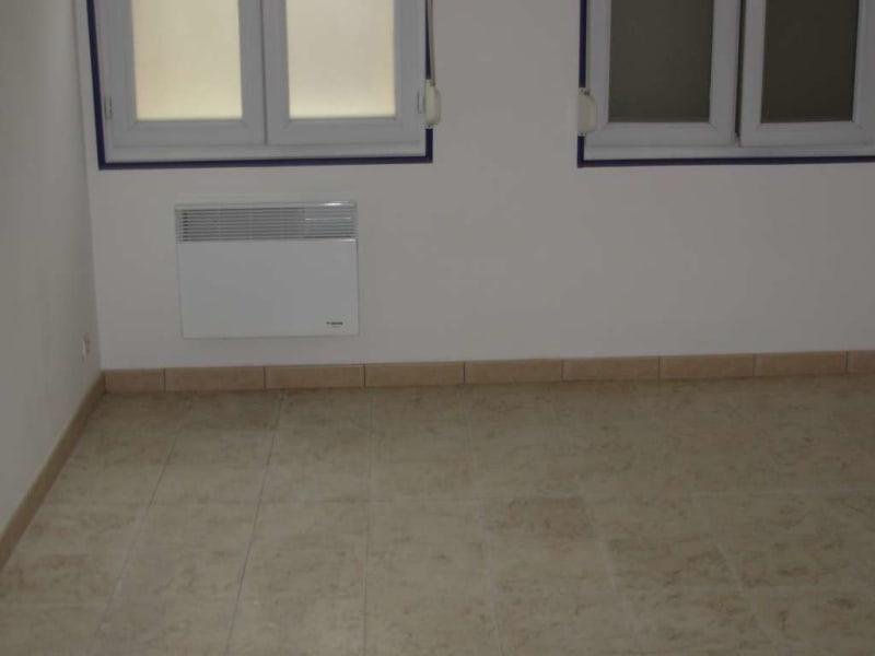 Rental apartment Saint quentin 375€ CC - Picture 5