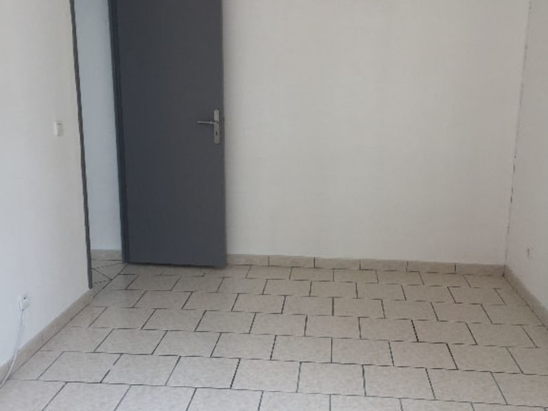 Rental apartment Saint quentin 493€ CC - Picture 6