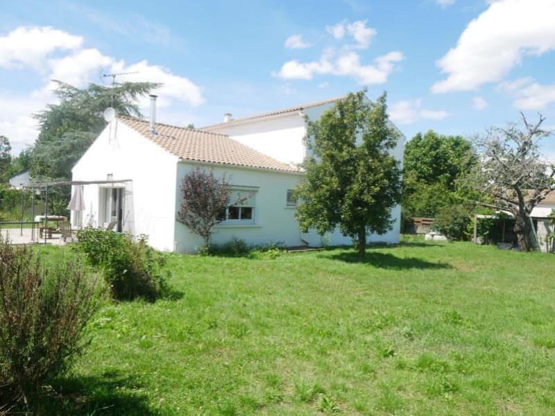 Sale house / villa Bouhet 375500€ - Picture 1