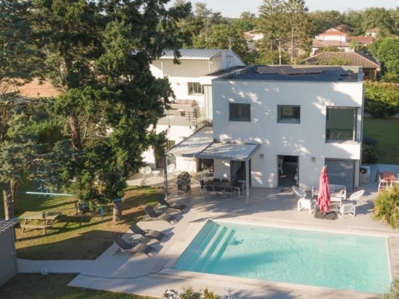Deluxe sale house / villa St bernard 1095000€ - Picture 1