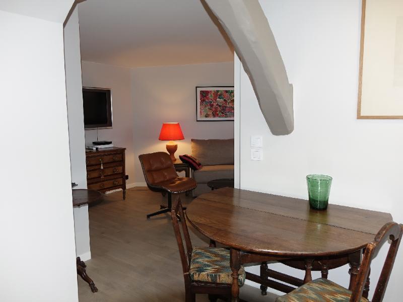 Location appartement Paris 6ème 1585€ CC - Photo 4
