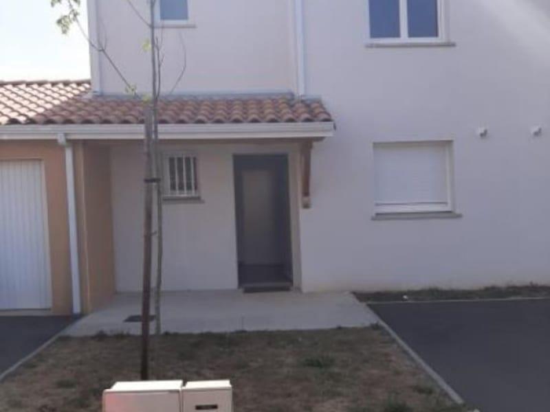 Rental house / villa Villeneuve-tolosane 832€ CC - Picture 1